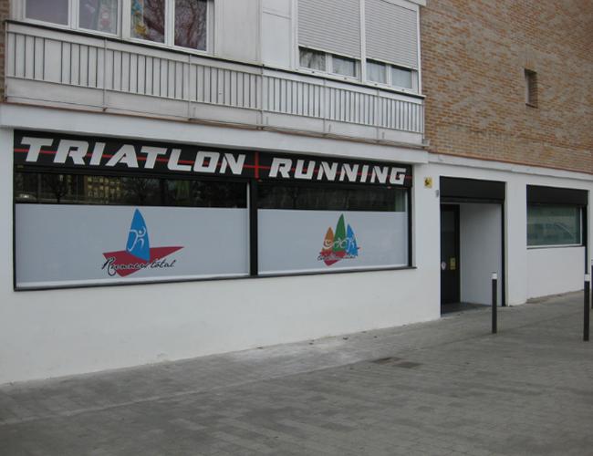 Detalle fachada 3 proyecto gimnasio Triatlon Running