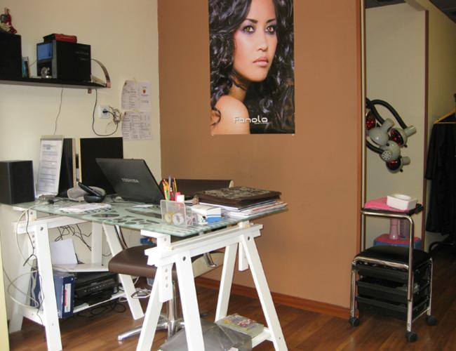 Detalle mostrador peluquería